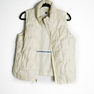 Gap Down Cream Vest Size Medium